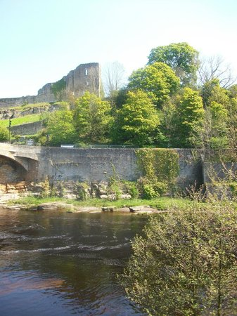 No 3: Barnard Castle ..by the river