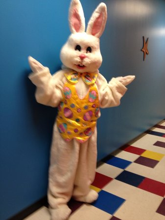 Hamilton, NJ: Easter Bounce at pump it up!