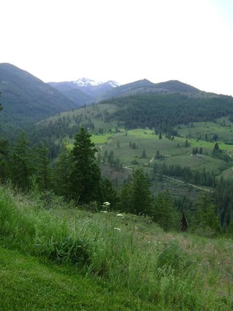 Sun Mountain Lodge: This was the view from our room, overlooking the Methow Valley
