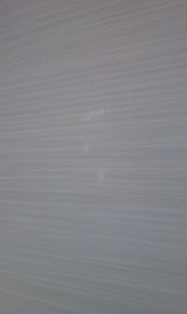 Hyatt Regency Columbus: Paint spatters