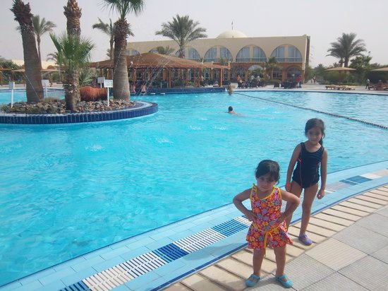 The Desert Rose Resort: 5