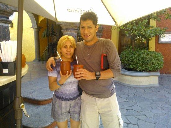Destilería La Rojeña de José Cuervo: juntos disfrutamos de un rico cantarito