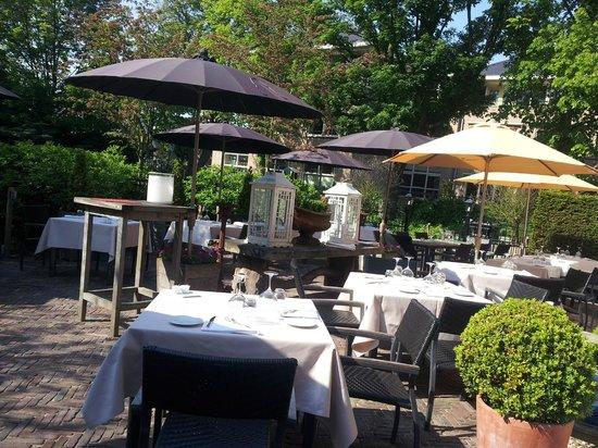 Photo of French Restaurant De Moerbei at Dorpsstraat 5a, Warmond 2361 AK, Netherlands