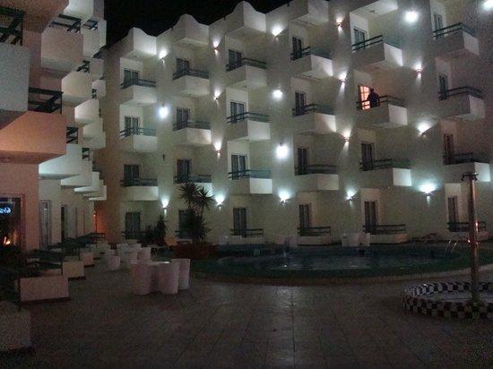 Roma Hotel: отель