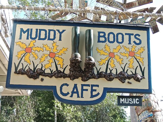 Muddy Boots Cafe: Sign