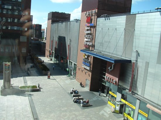 GLO Hotel Sello: View of mall entrance from our room