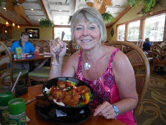 Lock 'N Key Restaurant & Pub: The coconut shrimp salad and a woman!