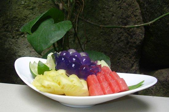 Febri's Restaurant: Fresh Fruits