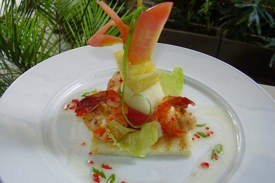 Febri's Restaurant: Prawn and Fruit Salad