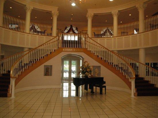 Cumberland Inn and Museum: Foyer