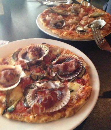 Caffe Belgiorno: Yummo! Prosciutto & Scallop + Marinara Pizza