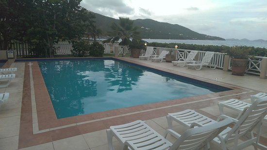 Maria's by the Sea: Hotel Pool