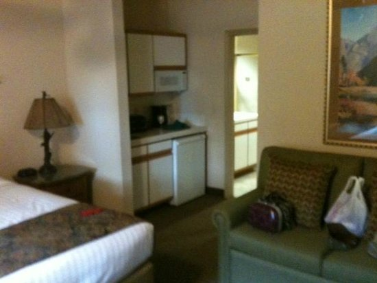 Ridge Pointe Tahoe: Room with Kitchenette