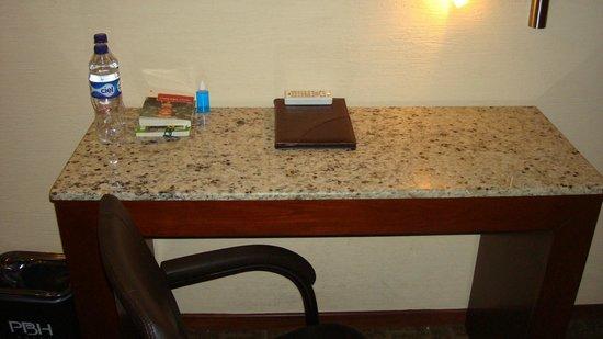 Portobelo Hotel: Mesa de trabajo