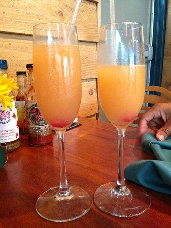 Three Li'l Pigs Barbeque Restaurant: Sunset Mimosa