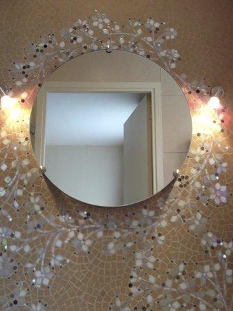 Hôtel Aiglon - Esprit de France : I want this mosaic wall in my house
