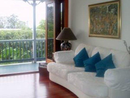 Eden Lodge: Guest Lounge