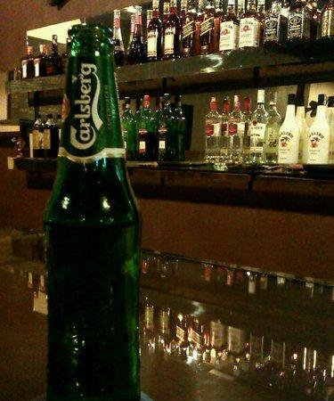 Scuba Junkie Restaurant: Beer is good!