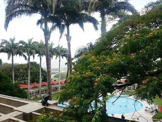 Hotel Jirahara: Vista parcial desde la ventana de la habitación