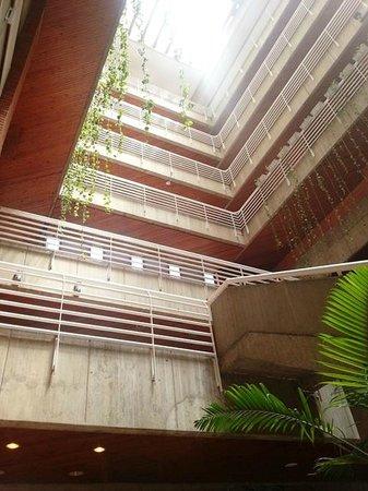 Hotel Jirahara: Vista de parte interna del edificio