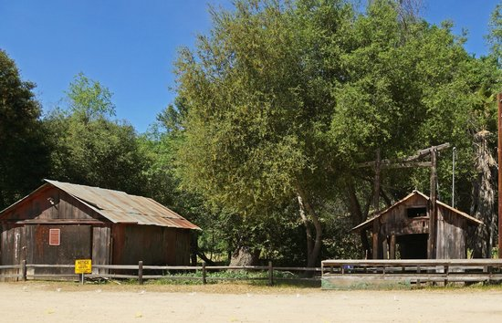 Daley Ranch: Near ranch house