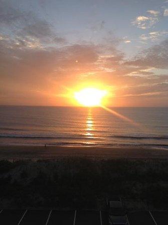 Holiday Inn Express Nags Head Oceanfront: Add a caption