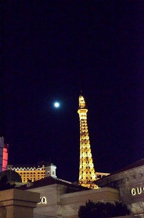 eiffel tower restaurant picture of eiffel tower restaurant at paris