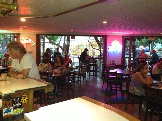 Round Table Pizza Waikiki