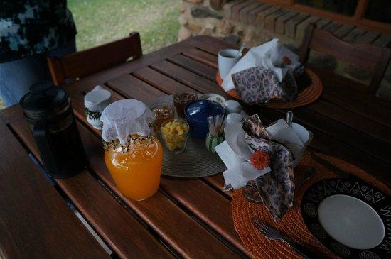 Masodini Private Game Lodge: Juice for breakfast