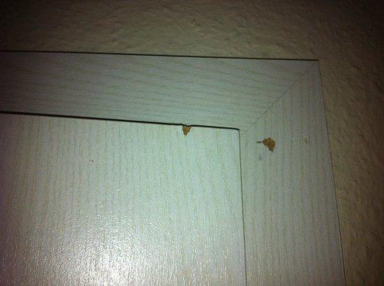 Hotel Atlantic: Türen beschädigt