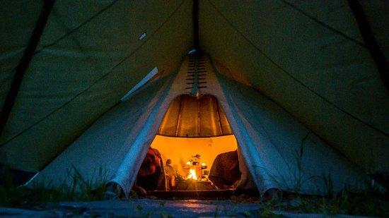 Teepee Fireside - Picture of Jackson Hole Vintage Adventures