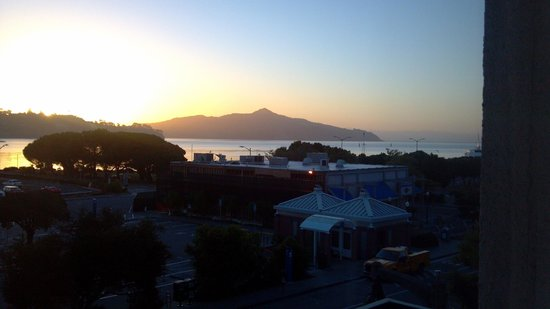 Casa Madrona Hotel and Spa : Watched sunrise from the balcony