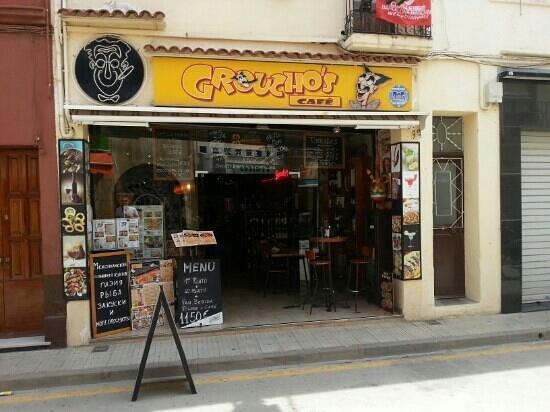 Groucho's Tapas Bar: Sicht von außen