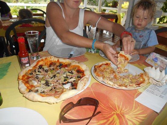 Leilina's Pizza: Family favourite in Savaii