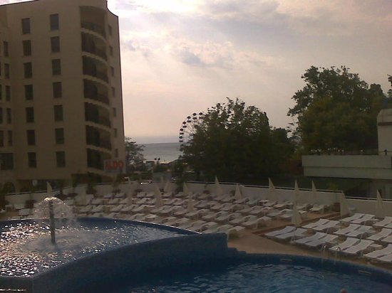 Hotel Erma: Good view from the terrace of the htl