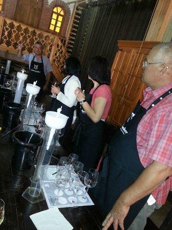 B-Winemaker : Blending the wine