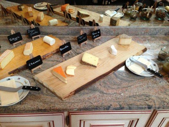 Hotel Adler Häusern: Cheese board