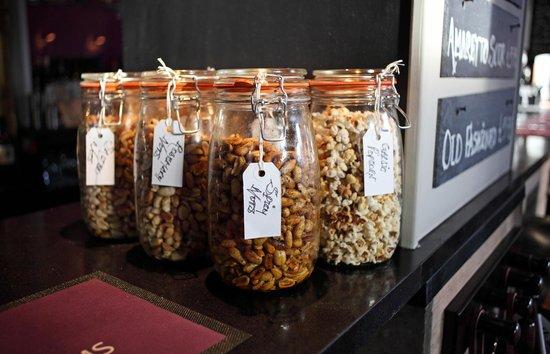 The Earlham Arms Restaurant: Bar Nibbles