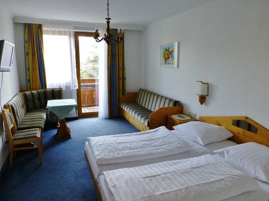 Gasthof zum Kirchenwirt: Comfort Double Room (Second Floor)