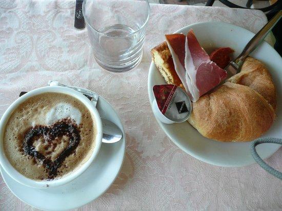 Hotel Ideale: Breakfast coffee yes please