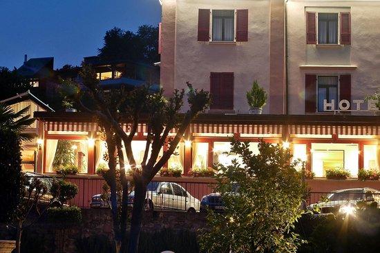 Park Hotel Rovio-Albergo del Parco : L'hotel visto dal giardino