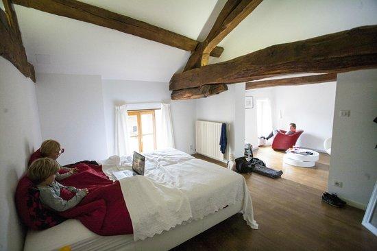 Bed and Breakfast Les Sarilles : Een van de kamers