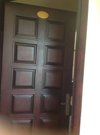 Dessole Sea Lion Beach Resort & Spa : old door