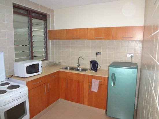 Reata Serviced Apartments: Nice kitchenette that's fully equipped.