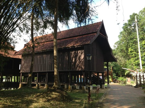 Terengganu State Museum: A replica of traditional house