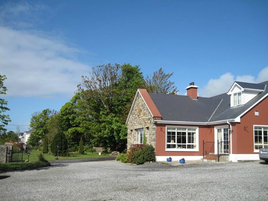 Ard na Breatha Guesthouse: Guesthouse (outside)