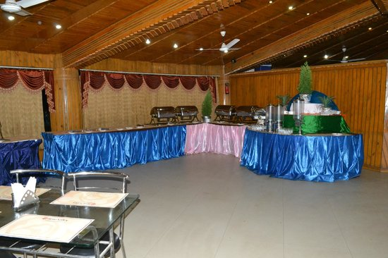Rose Valley Manadarmoni Beach Resort: Restaurant