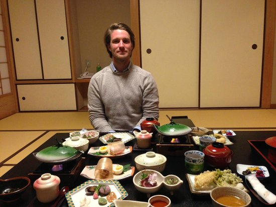 Kamogawa-kan Inn: Dinner in room - delicious and so much food !