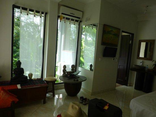 Mulawarman Ubud Bali: Room 3, roomy with A/C & gorgeous bath view to river gorge area.