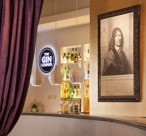 Hotel Adriano: THE GIN CORNER - BAR